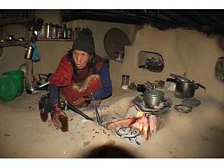 A gurung aama in a homestay says - Lu chiya kha