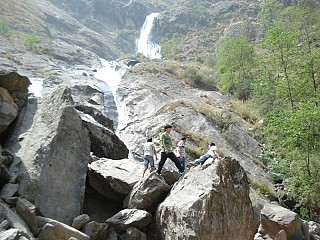 good to see such a nice waterfall on the way to Jomsom