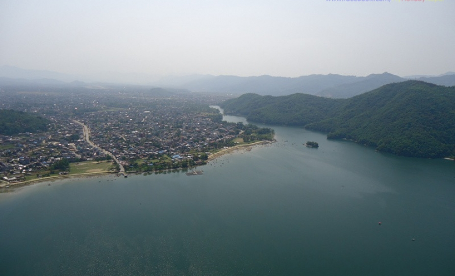 Fewa lake seen during Paragliding