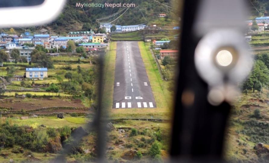 Lukla airpot landing nepal