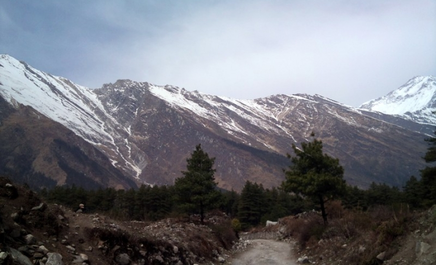 himalayan ranges seen from beni to jomsom